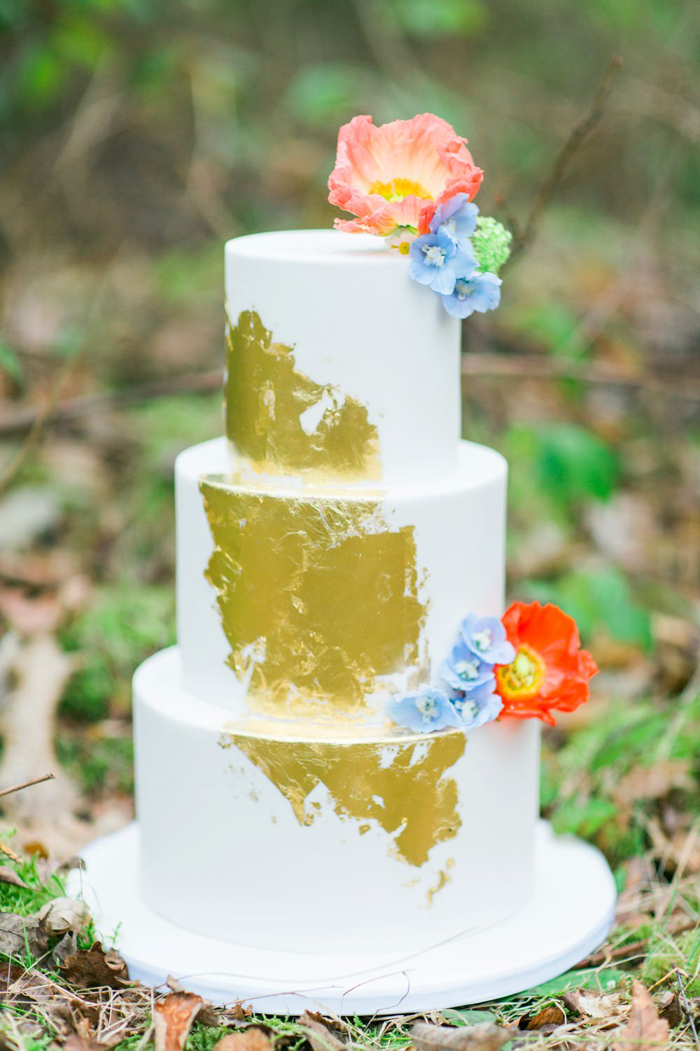 Beautiful rustic cake by The Frostery