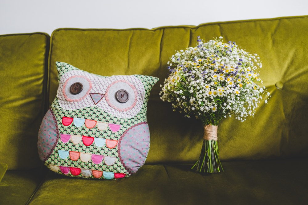 owl and bouquet