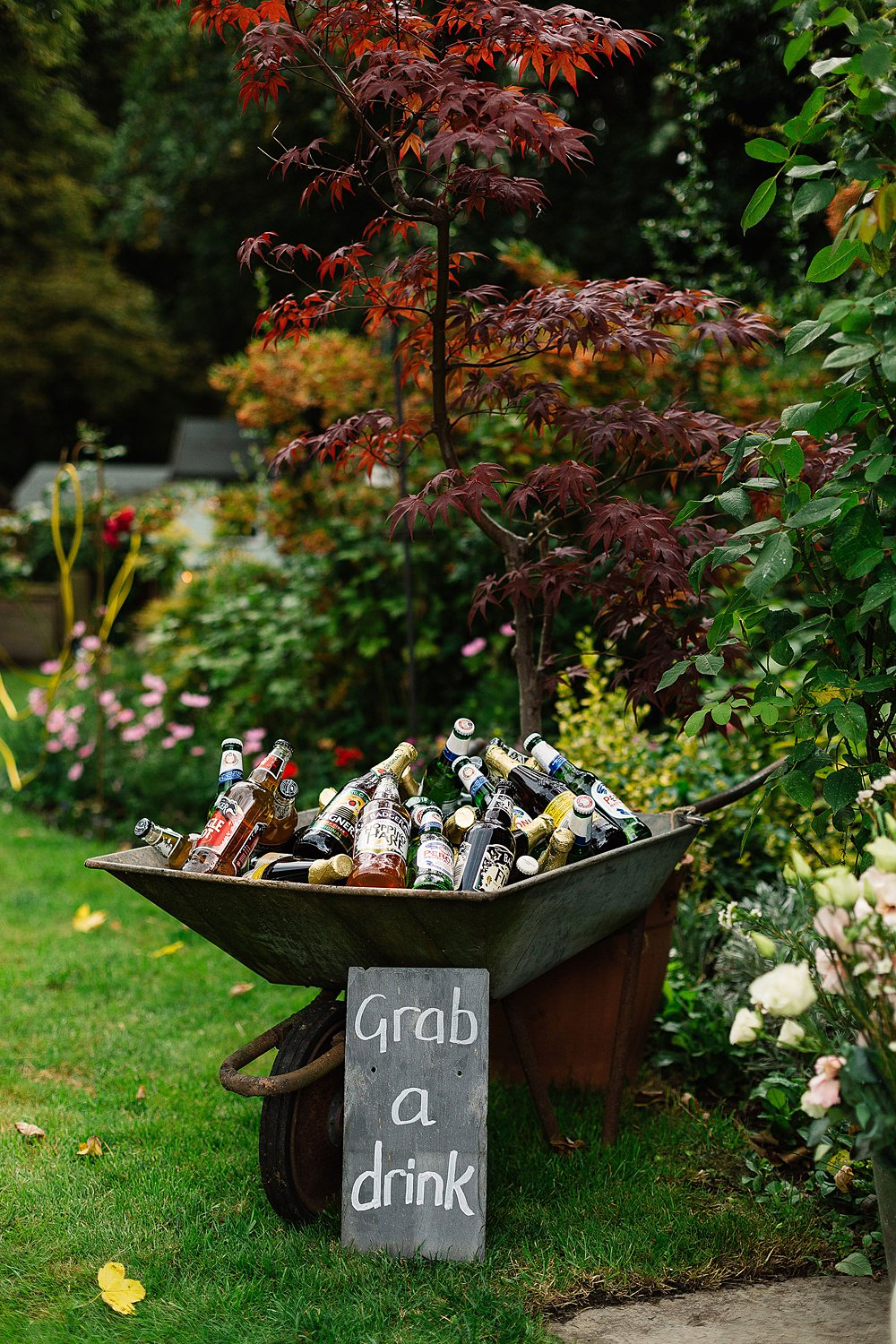 back garden wedding party drrinks ideas