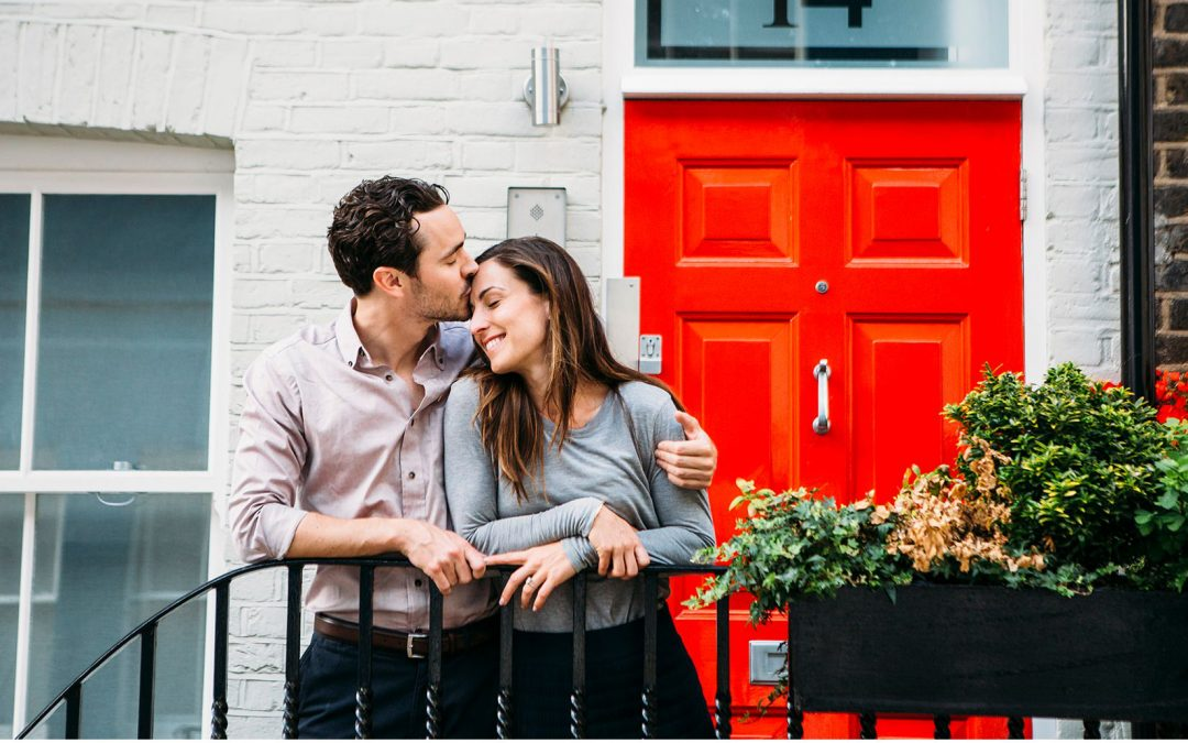 Anna and Troy – A Sunny Kensington Pre-Wedding Shoot